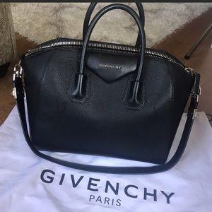 Givenchy Antigona Medium Leather